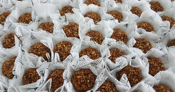 Avelã com Castanhas (Doce Ferrero Rocher)